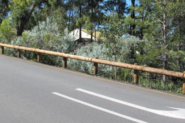 t18 log rail guardrail