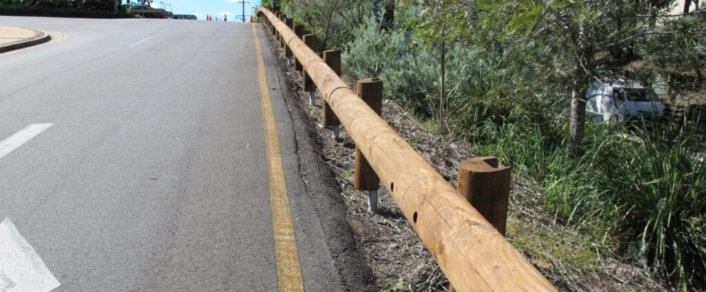 t18 log rail road barrier