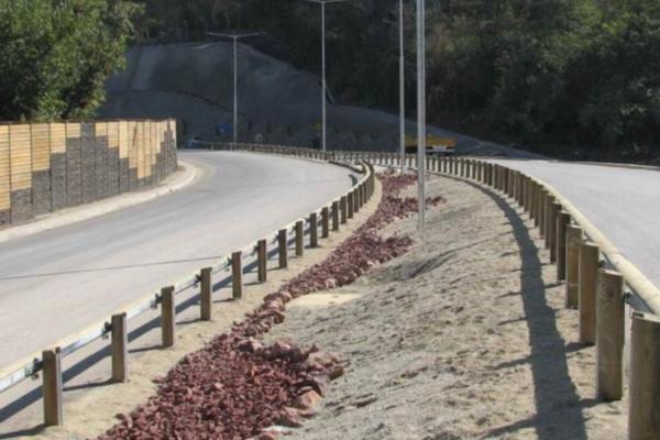 log rail guardrail
